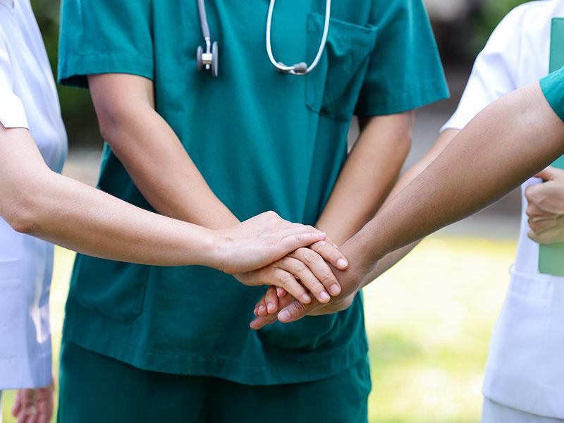 uniformes-medicos-y-de-enfermeria-agente-industrial-tijuana