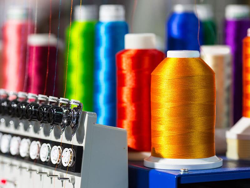 Ventajas de los uniformes bordados para empresas